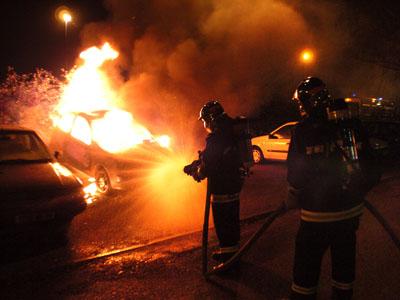incendiu auto mic